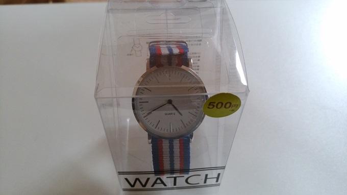 500円のダニエルウェリントン風の腕時計