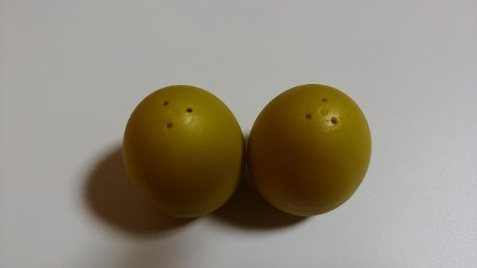 卵の穴から色がわかることが判明